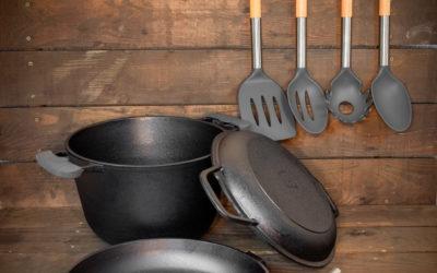 24cm Bratpfanne und 3L Kochtopf aus Gusseisen + Deckel-Bratpfanne + Küchenutensilien